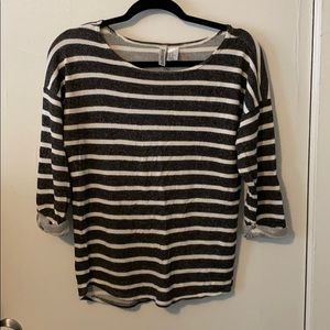 H&M grey and white striped 3/4 sleeves top